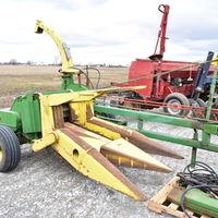 JD forage harvester with 2R head -Bernie Ormond (217) 430-5282