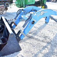 Woods LU126 quick mount loader