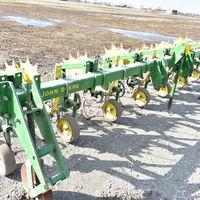 JD 825 6 row cultivator - (217) 430-5282