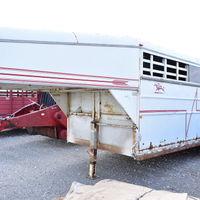 1996 Arrowhead 18' GN livestock trailer - Walter Deming Estate